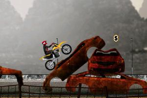 《废车场摩托特技》游戏画面1