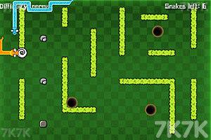 《双人贪食蛇大战》游戏画面4
