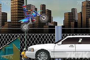 《特技摩托大赛》游戏画面5