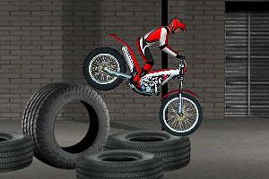 《摩托车障碍赛4》截图1