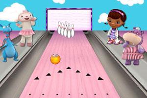 《玩具小医生玩保龄球》游戏画面1