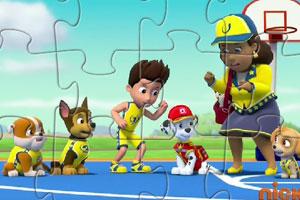 《狗狗巡逻队篮球拼图》游戏画面1