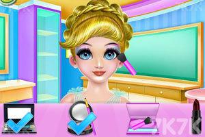 《女孩编织发型》游戏画面2