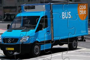 《蓝色奔驰货车拼图》游戏画面1