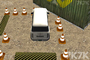 《障碍场地停车》游戏画面2