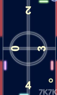 《发光曲棍球》游戏画面1
