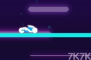 《闪耀霓虹摩托》游戏画面1